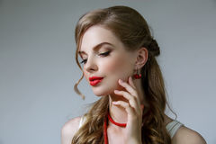 lång wavy kvinna för härligt hår Royaltyfri Fotografi