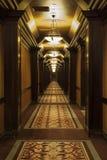 Långa Art Deco Corridor Arkivfoto