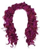 Långa ljusa rosa färgfärger för lockiga hår skönhetmodestil w Arkivbild