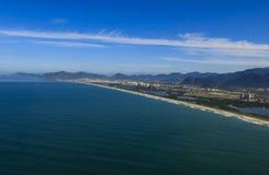 Långa och underbara stränder, strand för Recreio DOS Bandeirantes, Rio de Janeiro Brazil royaltyfri fotografi