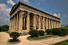 Långa Roman Temple på akropolen, Aten, Grekland royaltyfria foton