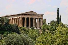 Långa Roman Temple på akropolen, Aten, Grekland royaltyfri fotografi