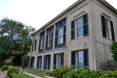 Långa Vue House och trädgårdar i New Orleans Arkivbild