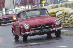 Långsam engelsk bil för gammal Srilankan Royaltyfria Foton