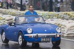 Långsam engelsk bil för gammal Srilankan Arkivbilder