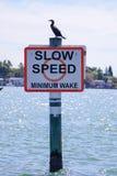 Långsam hastighet undertecknar in Tampa Bay Royaltyfria Foton