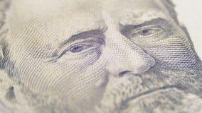 Långsam roterande stående av presidentlånet av femtio dollar räkning i makro arkivfilmer