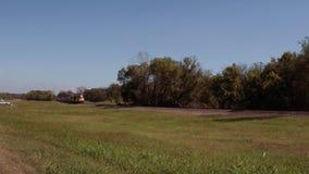Långsamt fraktdrev i Oklahoma stock video