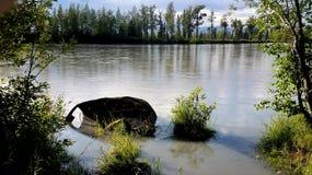 Långt övergett medel i floden Fotografering för Bildbyråer