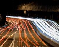 Långt exponeringshuvudvägskott arkivfoton