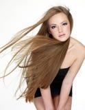 långt rakt kvinnabarn för härligt hår Arkivfoto