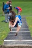 långt skolaspår för höjdhopp Arkivbild