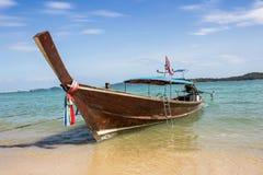 Långt tailed fartyg i Phuket Thailand Royaltyfria Foton
