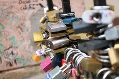 Lås av förälskelse i Tjeckien royaltyfri foto