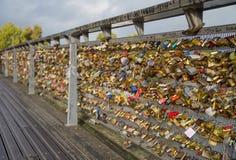 Lås av förälskelse, Paris Arkivfoto
