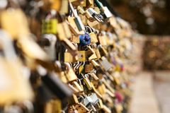 Lås på bron Royaltyfri Fotografi
