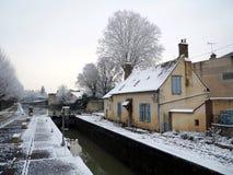Lås på Montargis på briarekanalen royaltyfria bilder