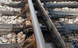 Låset på den järnväg övergången Arkivfoto