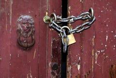 låst closeupdörr royaltyfria bilder