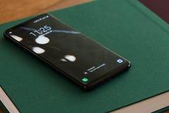 Låst upp smartphone royaltyfria foton