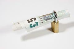 Låste eurosedlar som isoleras på vit Royaltyfri Bild