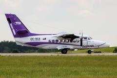 Låt L-410 flygplanet för NG Turbolet Royaltyfri Fotografi