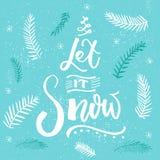 låt snow Julkortvektordesign, borstebokstäver på blå bakgrund med snöflingor och julgran royaltyfri illustrationer