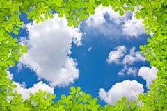 låter vara skyen till royaltyfri illustrationer
