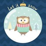 Låtet det att snöa hälsningkortet med en gullig uggla Arkivfoton