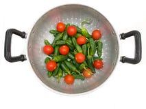 Légume dans la cuvette en métal Photos libres de droits