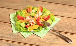 légume frais de tomate de salade de préparation de laitue de concombre Images libres de droits