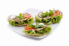 Légume frais et sandwichs au jambon photos libres de droits