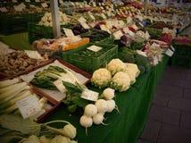 Légumes au marché de fermiers Photo stock