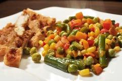 Légumes avec du blanc de poulet Photo libre de droits