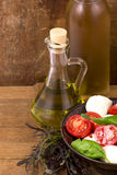 Légumes avec l'huile d'olive Images stock