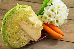 Légumes, chou et raccords en caoutchouc Photo stock