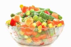 Légumes congelés dans la cuvette Image stock
