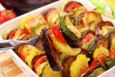 Légumes cuits au four avec du fromage Photo stock