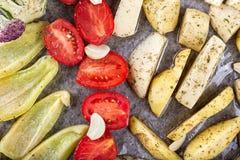 Légumes cuits au four dans le four Images libres de droits