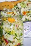 Légumes cultivés ou fermentés de maison faite Photos libres de droits
