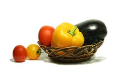 Légumes dans le panier 15 Photos stock