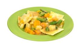Légumes de ravioli de côté de plat images stock