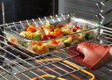 Légumes de torréfaction Images stock