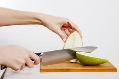 Légumes et fruits sur la pluie Fruits et légumes dans la coupe Image libre de droits