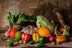 Légumes et fruits toujours de la vie Photo libre de droits