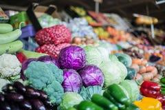 Légumes frais au marché de fruit et de Veg de Dubaï photos stock