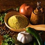 Légumes frais et diverses épices Photographie stock
