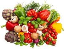 Légumes frais et herbes d'isolement sur le blanc Images stock