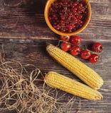 Légumes frais sur la table en bois en automne Photographie stock libre de droits