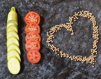 légumes Régime Tomates, courgette, coeur de pois chiches Photo stock